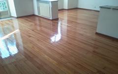 Pecoraro pavimenti manutenzione parquet palchetti - Togliere silicone dalle piastrelle ...